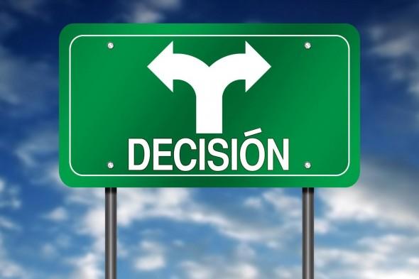 INFLUYE EN LA TOMA DE DECISIONES CONTAR CON UN SEGUNDO IDIOMA